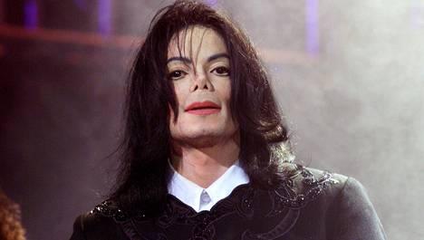 Michael Jackson kuoli vuonna 2009 lääkkeiden yliannostukseen.