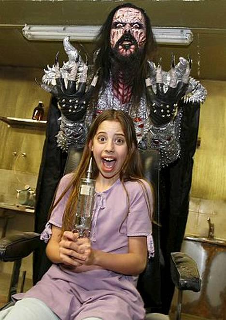 Skye Bennet esittää kauhuleffan pääroolia Lordin varjossa.