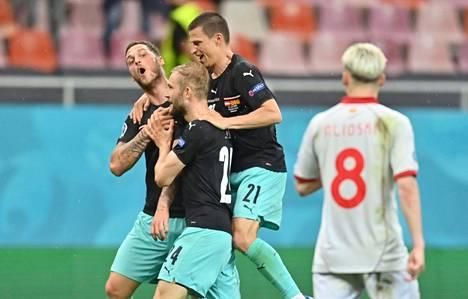 Marko Arnautovic näytti kohdistavan sanansa Pohjois-Makedonian albanialaistaustaisille pelaajille.