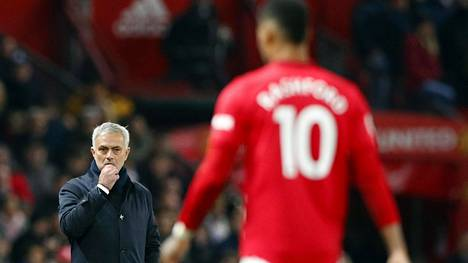 Marcus Rashford teki Jose Mourinhon harmiksi kaksi maalia Tottenhamin verkkoon.