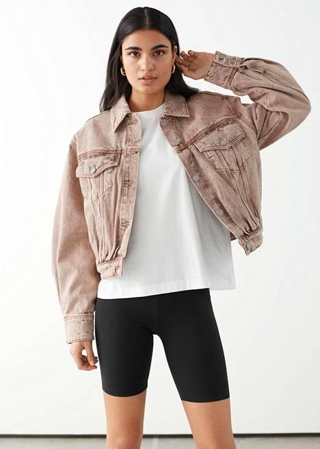 Tämä takki kääntää katseet takuuvarmasti, 79 €, & Other Stories.