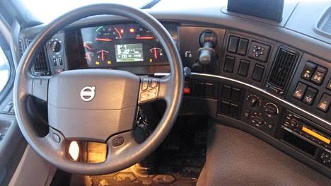 Volvon kuorma-autovalmistus irrotettiin merkin henkilöautotuotannosta jo vuonna 1999.