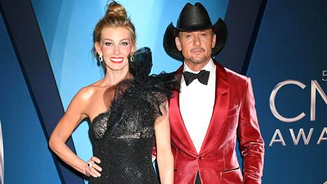 Faith Hill ja Tim McGraw ovat eräitä kaikkien aikojen menestyneimpiä kantrilaulajia. Pari avioitui vuonna 1996.
