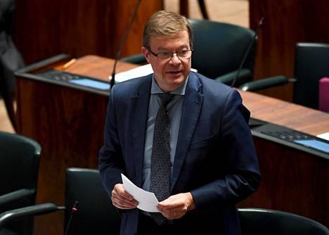Antti Rantakangas kuvattuna eduskunnan täysistunnossa kesäkuussa.