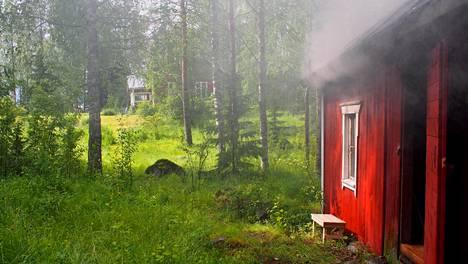 Onko suomalaisempaa kuva-aihetta kuin sauna?