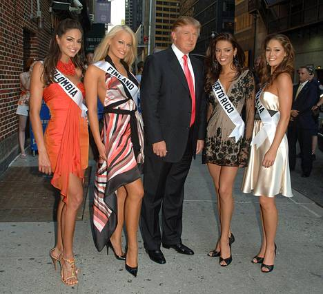 Donald Trump with Miss Colombia, Miss Finland, Miss Puerto Rico and Miss Australia at the Late Show with David Letterman in New York in July 2006.