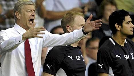 Arsene Wengerin Arsenalille lähtee tauolle vaikeista asetelmista.
