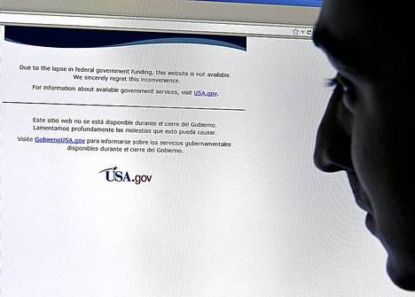 Hallinnon nettisivut sulkeutuivat, ja esimerkiksi Nasan sivulle pyrkivää kehotettiin siirtymään usa.gov-sivulle.