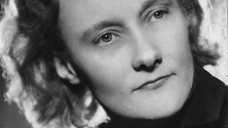 Astrid Lindgren tallensi päiväkirjoihinsa kuvauksia merten takaisista taisteluista ja hädästä.