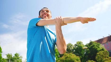 Liian kova treeni haittaa, liian lepsu ei kehitä. SuomiMiehen vinkeillä säädät treenin oikealle tasolle ja taltutat stressiä.