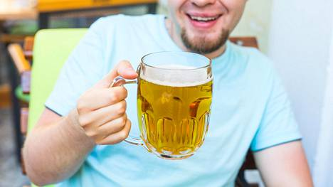 Auringon ja alkoholin yhteisvaikutus yllättää joka kevät.