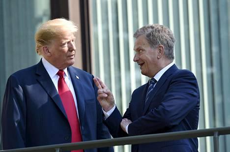 """Niinistö käytti Boltonin mukaan puheensa lopuksi ilmausta """"kasakka ottaa sen, mikä on huonosti kiinni""""."""