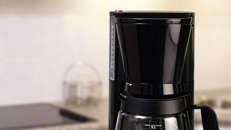 Jos kahvinkeitin on alkanut temppuilla, älä kuskaa sitä heti roskiin. Perusteellinen putsaaminen voi tehdä ihmeitä ja saada laitteesi toimimaan paremmin.