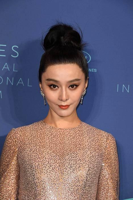 Fan Bingbing on Kiinan kovapalkkaisin naistähti. Häntä epäillään nyt veropetoksesta.