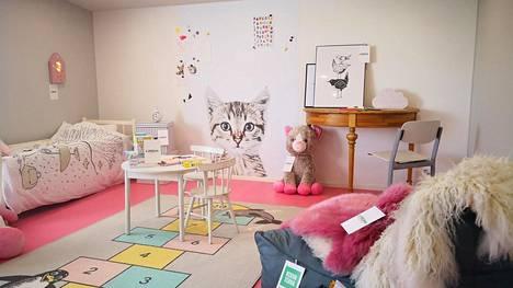 Apulannan Toni ja Sipe sisustivat messutalon – runsaasti pinkkiä!