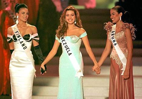 Alicia Machado voitti Miss Universum -tittelin Lola Odusogan nenän edestä.