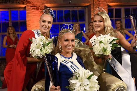 Alina Voronkova, Eevi Ihalainen (oik.) ja Jenny Lappalainen (vas.).