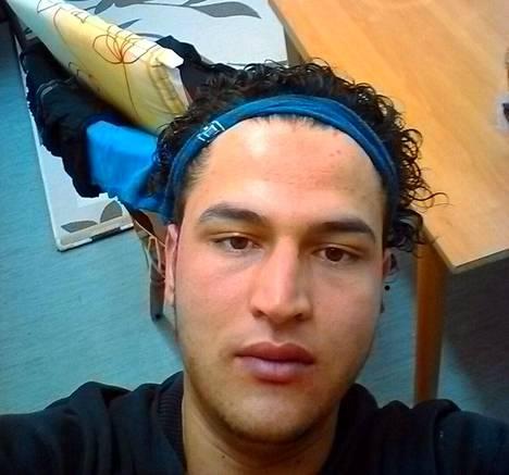 Berliinin terrori-iskusta epäitly Anis Amri sai surmansa Milanossa tulitaistelussa poliiseja vastaan.
