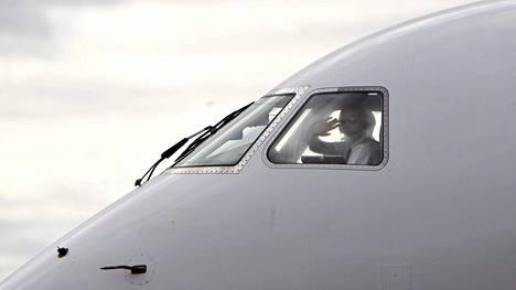 Finnair hakee elokuun aikana 100 uutta lentäjää tukemaan yhtiön kasvua.