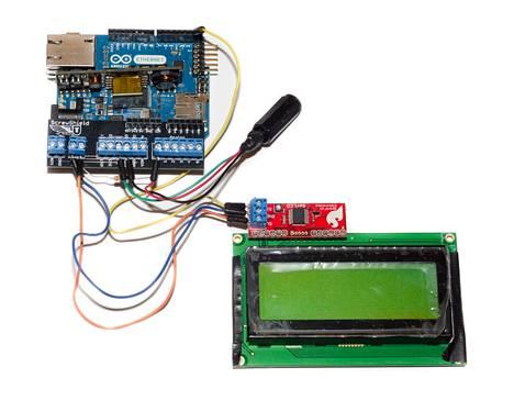 Mittalaitteiston pääkomponentit: Arduino-mikrokontrolleri ja lcd-näyttö.