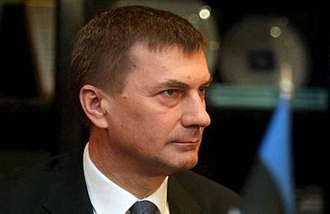 Viron pääministeri Andrus Ansip kutsui kansanpuolueen hallitusneuvotteluihin.