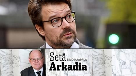 –Ville Niinistöä onkin syytä käsitellä Veikko Huovisen Havukka-Ahon ajattelijan eli Konsta Pylkkäsen laatiman viisausopin hengessä, Setä Arkadia kirjoittaa.