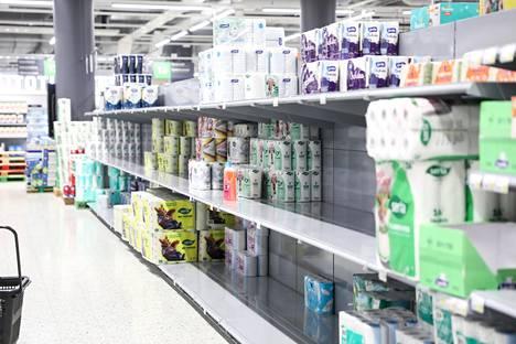 Hurjin vessapaperin hamstrausinto on jo laantunut, mutta kauppojen hyllyt ovat edelleen puolitäysiä.