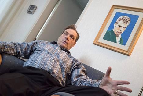 Pauli Nevala kotonaan Teuvan Keihäskujalla.