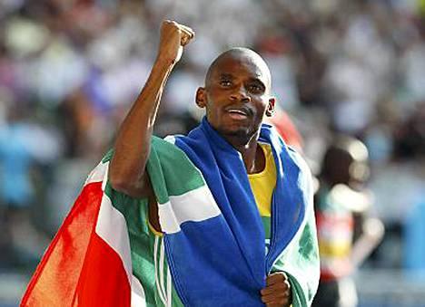 Mbulaeni Mulaudzi voitti miesten 800 metriä.