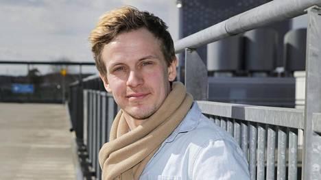Konsta Hietanen näyttelee Salatuissa elämissä Mikiä.