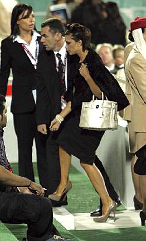 Victoria Beckhamin arvokas laukku hohtaa jo kauas.
