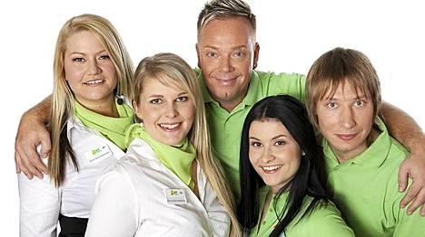 Alma Tourin matkaoppaat Anna-Kaisa, Anne-Mari, Janne, Maija ja Aapo nähdään ruudussa suunnitelmien mukaan, vaikka matkanjärjestäjä on hakeutunut konkurssiin.