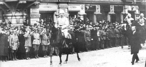 C.G.E. Mannerheimin manifesti luettiin Suomenniemen kirkossa ensimmäisen kerran 23. maaliskuuta 1918.