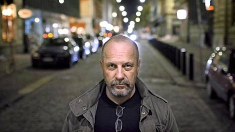 Rikosylikonstaapeli Kenneth Eriksson on ollut mukana sulkemassa satoja paritusluukkuja Helsingissä uransa aikana.