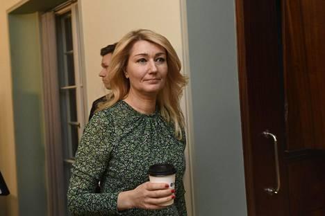 Perustuslakivaliokunnan jäsen Maria Guzenina (sd) ilmaisi ennen kokousta paheksuntansa siitä, että perustuslakivaliokunnassa Haavisto-asiaa käsittelevät kansanedustajat, jotka olivat tekemässä muistutusta. Guzenina ei kommentoinut asiaa enää kokouksen jälkeen.