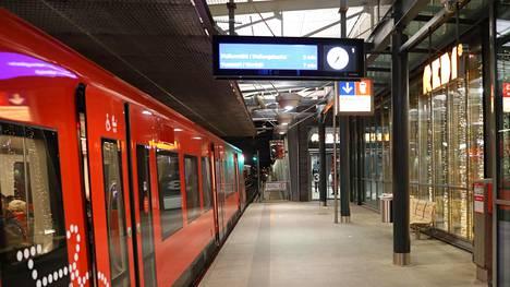 Kalasataman metroasema sijaitsee Sörnäisten ja Kulosaaren metroasemien välissä. Kuvituskuva.
