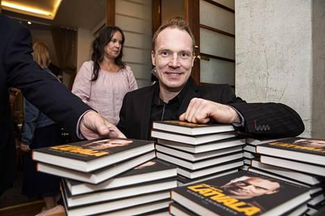 Jari-Matti Latvalasta julkaistiin kirja lokakuun alussa.