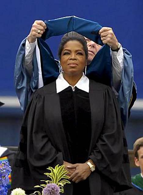 Oprah Winfrey promotointitilaisuudessa.