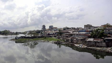 Näkymä Liberian Monroviassa 21. helmikuuta 2021. Viime viikolla Länsi-Afrikan Liberiaan matkustanut Pirkanmaan käräjäoikeus alkaa tällä viikolla kuulla todistajia Liberian sotarikossyytteisiin liittyvässä oikeudenkäynnissä.