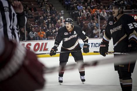 Selänne päätti NHL-uransa Anaheimissa.