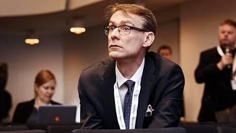 Oikeuskansleri Tuomas Pöystin mukaan yksityisten lääkeyhtiöiden maksama tutkimusrahoitus on aiheuttanut epäilyjä THL:n riippumattomuudesta ja puolueettomuudesta.