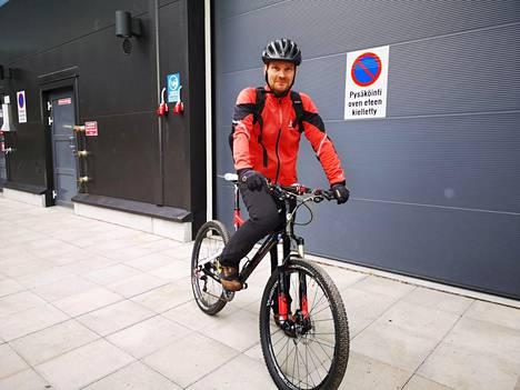 Marko Itäkunnas lähti pyörällä kotiin Kalevankankaan metsän läpi, vaikka alueella havaittiin karhu vain muutamaa tuntia aiemmin.