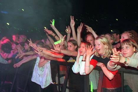 Spice Girls sai yleisön sekoamaan Suomen keikallaan vuonna 1998.