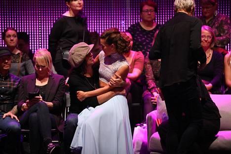 Yaffa oli kannustamassa puolisoaan myös neljännessä suorassa Tanssii tähtien kanssa -lähetyksessä.