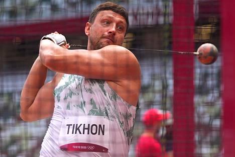 45-vuotias Ivan Tihon on Valko-Venäjän yleisurheiluliiton puheenjohtaja. Hän osallistui maanantaina moukarinheiton karsintaan Tokiossa ja kommentoi Krystsina Tsimanouskajan tapausta.