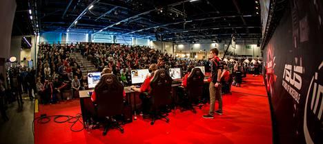 Assembly Winter 2015 -tapahtumassa pelattiin CS:GO:ta täyden yleisön edessä.