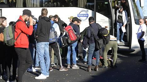 Pakolaisvirta pyyhkäisi kohti Ruotsia. Bodenin vastaanottokeskuksen kiireet alkoivat vuonna 2015 ja jatkuivat vuoteen 2017 asti.