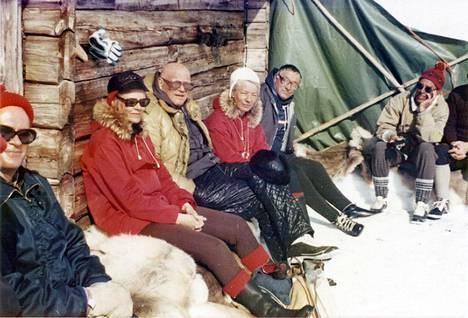 Marja-Terttu Niemi pääsi samaan kuvaan Urho Kekkosen kanssa, kun hän oli hiihtoretkellä käsivarren Lapissa 1976. Kuva voitti Ilta-Sanomien edellisen Minä ja presidentti -valokuvakilpailun.