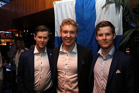 Boston Collegen joukkueessa pelaavat Jesper ja Julius Mattila ja Aapeli Räsänen jännäävät tänään Pikkuleijonien MM-finaalisuoritusta.