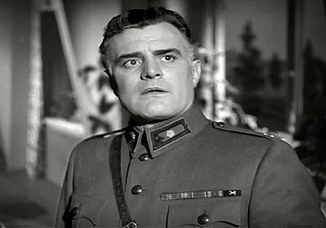 Kasarmin tytär -elokuvassa Taunolla oli vain sivurooli (1954).